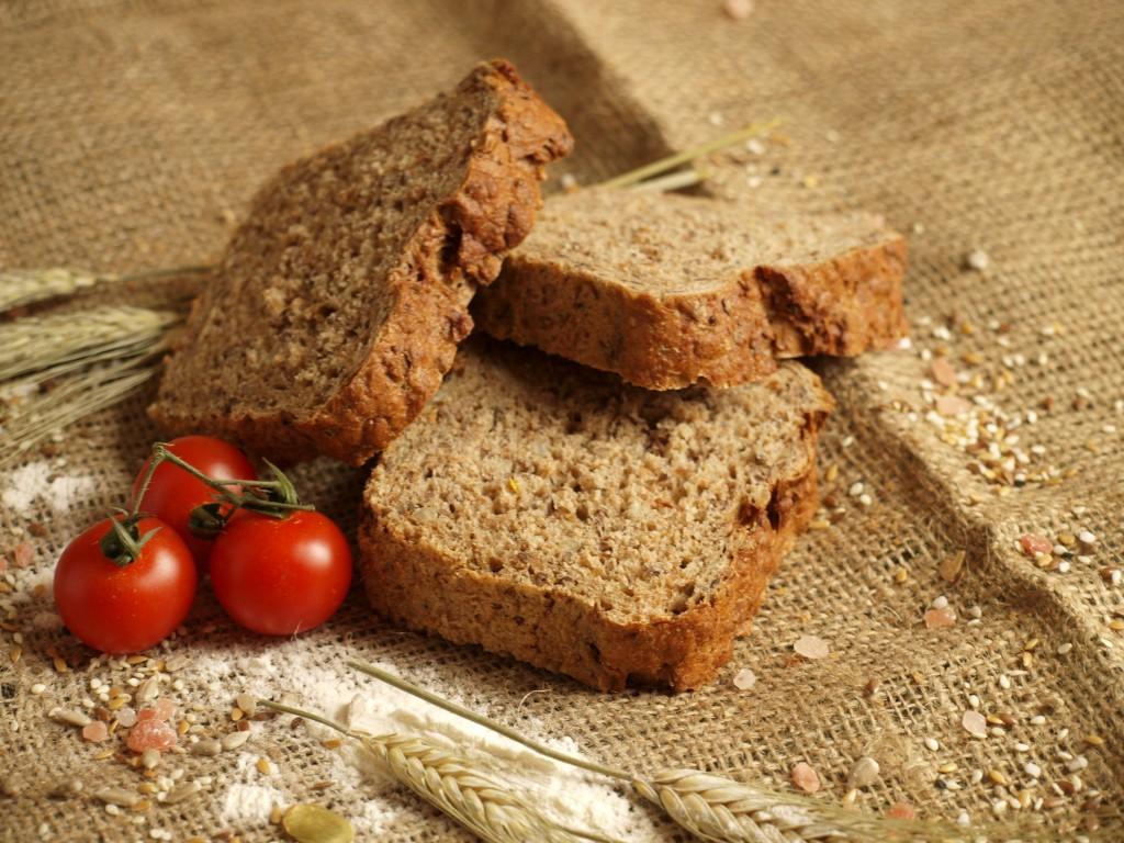 Tönkölyös-hajdinás kenyér (Heim Pékség)
